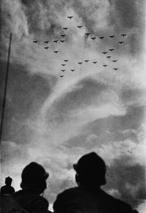Mark Markov-Grinberg First aerial parade south of Moscow, 1933