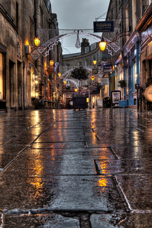shogunpassion:  Rainy streets of Cambridge by benjaminjphoto
