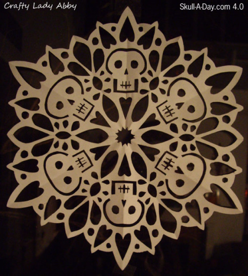DIY Paper Skullflake. I've reblogged a Darth Vader snowflake here and posted a spider/Jack Skellington Snowflake here, so why not skulls? Tutorial at Crafty Lady Abby here.