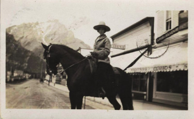 Elberta McMullen: champion all-round Canadian cowgirl of the 1912 Calgary Stampede