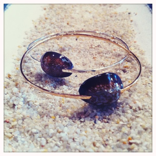 Cowrie Shell Bangles…Be unique…   Details at http://shellchic.blogspot.com