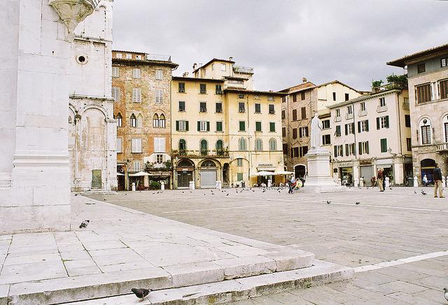 | ♕ |  Piazza Anfiteatro - Lucca, Tuscany  | by © Nick Pellegrino | via ysvoice