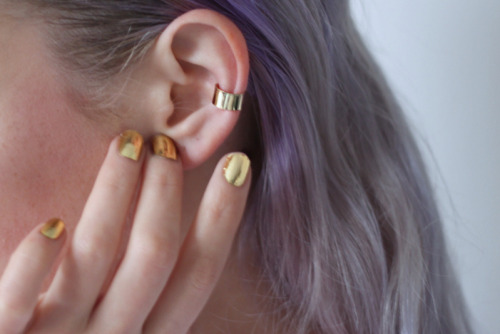 WANT: A gold ear cuff and gilded nails.