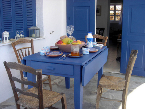 The pursuit of happiness: having breakfast in Sifnos island, Cyclades islands, Greece. Buon giorno, carissimi…  Breakfast table, Sifnos, Greece by hellimli on Flickr.