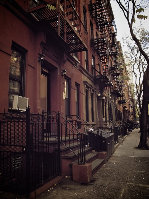 Upper East Side by Alberto Reyes