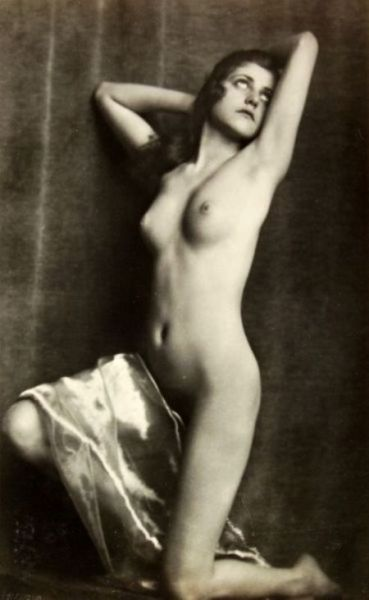 regardintemporel:  Anonyme, vers 1920