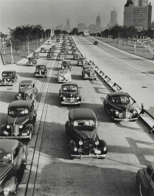 firsttimeuser:  Chicago, Lake Shore Drive, looking South from North Ave., 1941 by Andreas Feininger