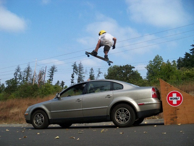 beholdtherollingthunder:  Ross getting a little air  Check out the video, so rad! http://www.youtube.com/watch?v=fzSsmROt5jg