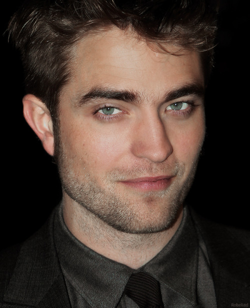 klrtwiluver:  Rob… luscious and delicious!