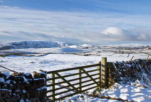 Snowy Yorkshire Dales. by 47mki on Flickr.