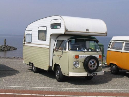 "vwkombi:  a rare example of a ""Jurgen's Auto Villa"" on a T2 Volkswagen chassis - unfortunately I cannot find much information about these campers, except that they were built in South Africa. I recently stumbled on an ad for one for sale in Adelaide/South Australia."
