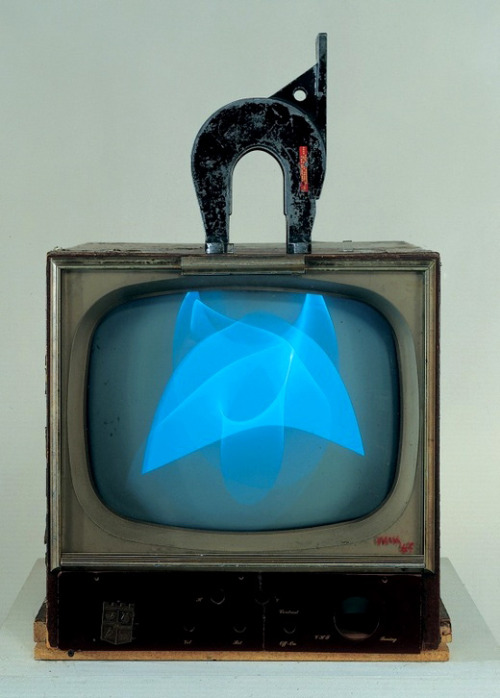 alecshao:  Nam June Paik, Magnet TV, 1965
