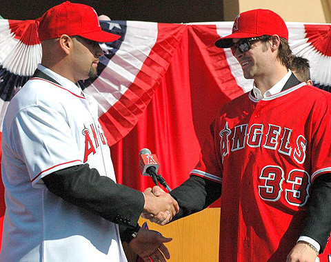 4,000+ Angel Fans Turn Out to Welcome Albert Pujols and C.J. Wilson