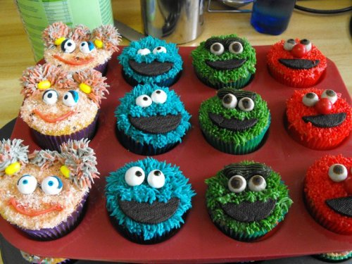 Sesame Street cupcakes - Abby Cadabby, Cookie Monster, Oscar the Grouch, Elmo