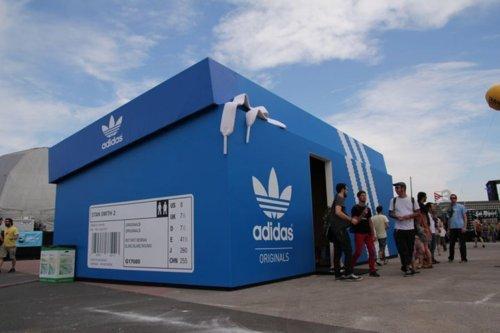 Adidas Pop-Up Store.  What a great idea and design!