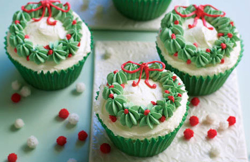 Christmas wreath cupcakes recipe - Channel4 - 4Food