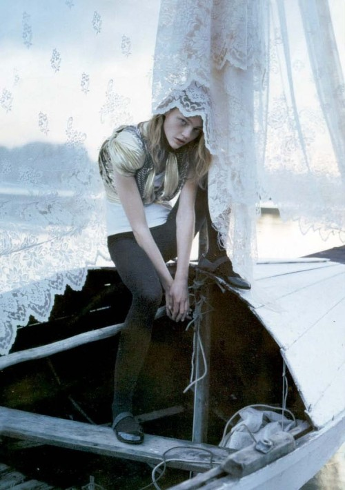 sasha pivovarova by tim walker for vogue uk february 2007