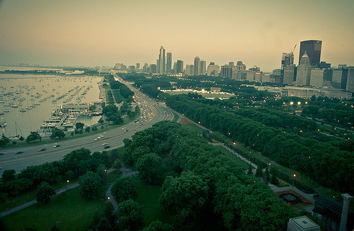 the-windycity:  Lake Shore Drive (by Flipped Out)