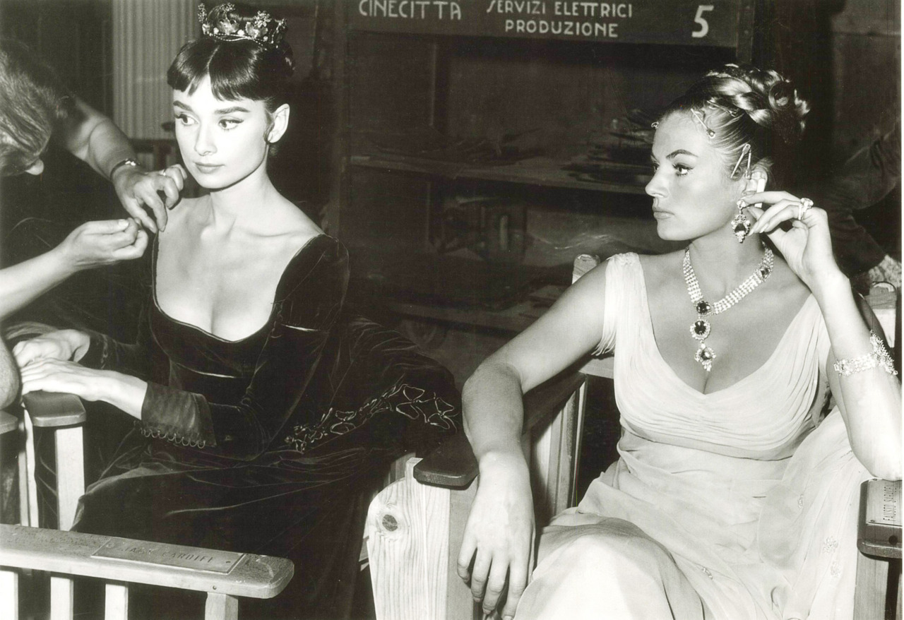 hollyhocksandtulips:  Audrey and Anita