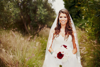 intravenousweddingoverdose:  How gorgeous is this bride?
