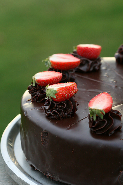fyeahnomnoms:  Chocolate Cake by AussieBarracuda on Flickr.