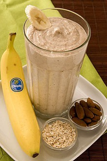 Banana Oatmeal Smoothie 2   whole Bananas (best with brown flecks on peel) 2   cups Ice 1/3   cup Yogurt - preferably Greek yogurt flavored with honey 1/2   cup Cooked oatmeal 1/3   cup Almonds 380 Calories. Great for a breakfast or lunch meal   think i'll make this tomorrow :)