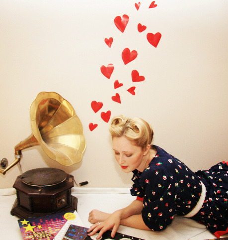 The Vintage Valley: Gramophone Love…