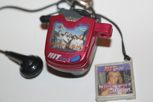 omg hitclips!…i remember this from middle school…who says this was our childhood version of the ipod! lol