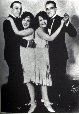 Daisy and Violet Hilton With the Dallas Boys, another set of vaudeville twins, 1926 (Bogdan)