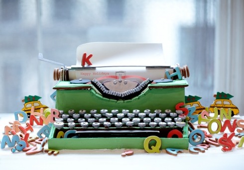 gastrogirl:  completely edible gingerbread typewriter.