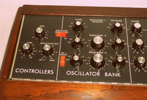 Moog - Minimoog Model D Synthesizer