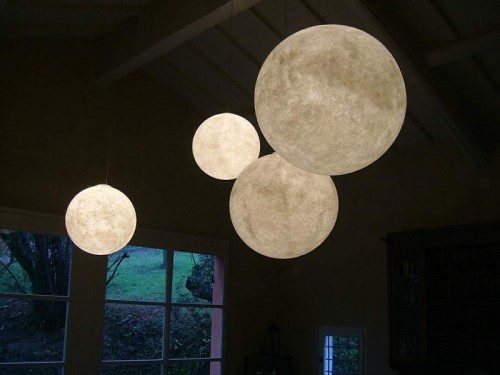 bambibones:  I require these. bohemianhomes:  moon lamps   Yes… these would go well with those balloon lamps.  Yes.