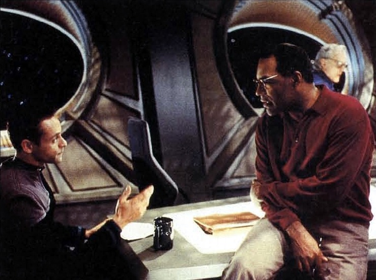 "haikitteh:  Michael Dorn directing Alexander Siddig in ""Inquisition."""