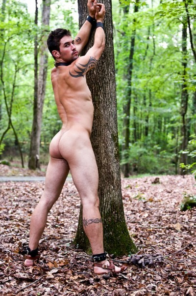 wildoutdoormen:  New Naked Men   That assThose sandals