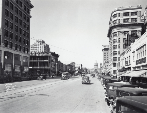 thealcalde:  Downtown Austin in the early 1930s.