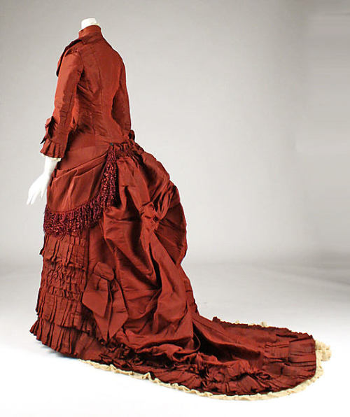 Wedding dress, 1879 US, the Met Museum