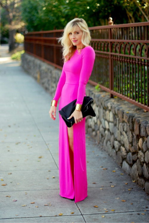 what-do-i-wear:  Topshop dress, Forever 21 cuff, Helmut Lang clutch (image: sterlingstyle)