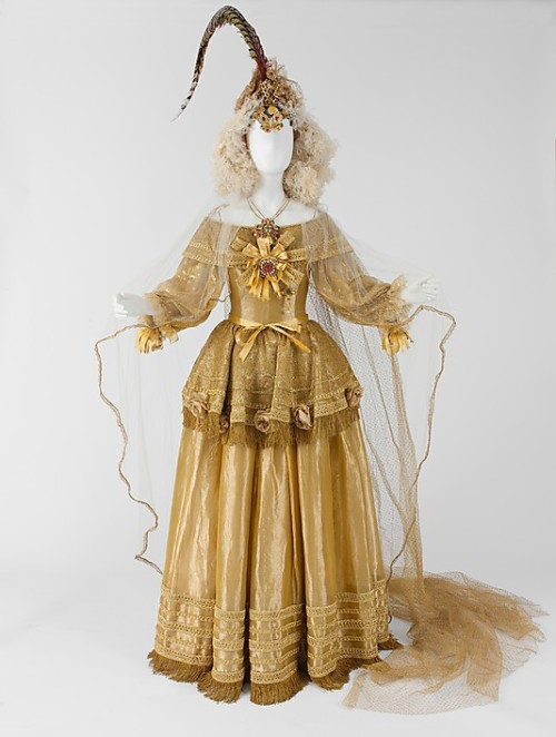 Wedding ensemble by Yves Saint Laurent, 1976 France, the Met Museum