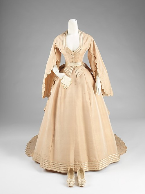Wedding ensemble and shoes by Courvoisier, 1870 US, the Met Museum