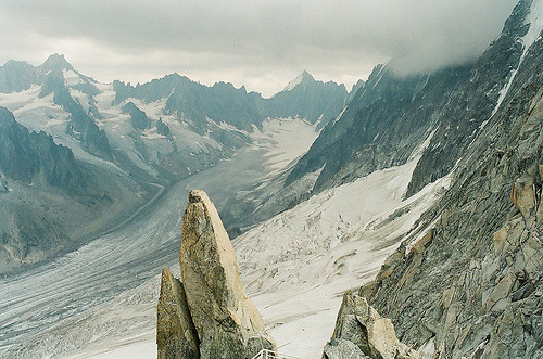 just-breezy:  Alpes . (by tikktakk)