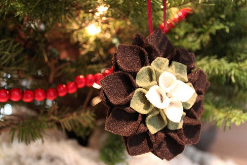 DIY Felt Flower Ornament