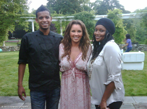 bleeziethechef:  @VWofficial @Jazmatik & Me!!!!  Check us out tonight @10 pm EST on @BravoTV  Everyone make sure to catch Roble and Co and Bravo. The show is really hillarious and fun to watch.