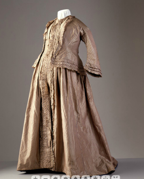 Maternity dress, ca 1858-60 England, Powerhouse Museum