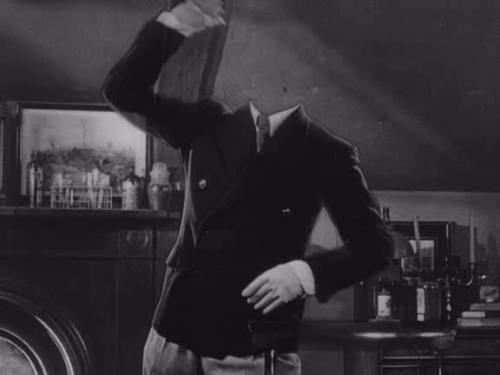 Fact 48: To achieve the effect of being invisible, Claude Rains dressed in black velvet and was filmed in front of a black velvet background.