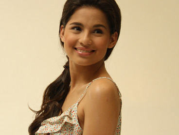 Do you love @jascurtissmith? Like this page! :D (via Candy Loves Jasmine Curtis-Smith | Candymag.com)