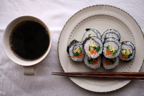 ffoodd:  breakfast: coffee & kimbap (via labor thanksgiving day « it will stop raining*)