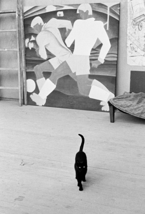 Igor Palmin Moscow. Studio of artist Igor Obrosov and his cat (1985)