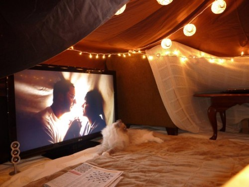 bohemianhomes:  Grown up fort - I am so doing this!!!