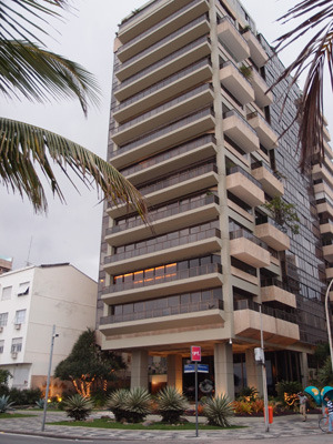 Living in Fear, Revisited That luxury apartment building along the Rio beachfront avenue, Avenida Vieira Souto, I wrote about a while back, the one with the armed guards out front. Here's what I learned recently. The residents were reminded in no uncertain terms in 2008 why the 1% are afraid — the armed guards make them feel a little safer.The founder and owner of Brazil's Sendas supermarket chain the multi millionaire Arthur Sendas lived here. Sendas was widely reported to have been generous with his employees. Late one Saturday night, the son of his longtime personal chauffeur, the 28-year-old driver Roberto Costa, who had also worked for the Sendas family for 10 years came to the apartment to ask for some of this generosity. When he wasn't shown it, he pulled out a gun and shot Arthur Sendas in the head. Now, the armed guards at the entrance to this building could not have prevented what happened that night. Arthur Sendas himself allowed Roberto Costa up and met him at the apartment door because he thought he could trust him. In a society with this level of inequality (Jorge Castañeda says that the wealthiest 10% held an average of 42% of national income in 2008-9) the wealthy can never be sure whom they can trust! Arthur Sendas's neighbors had that lesson driven home with the sound of a gunshot, that night in 2008.