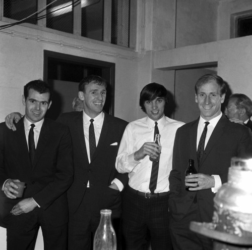 interleaning:  John Connelly, Pat Crerand, George Best and Bobby Charlton, 1966.